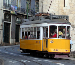 Authentieke tram in Lissabon